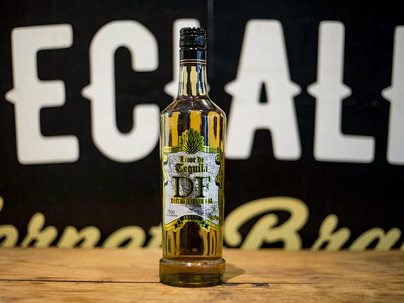 Tequila DF dorado 750 ml