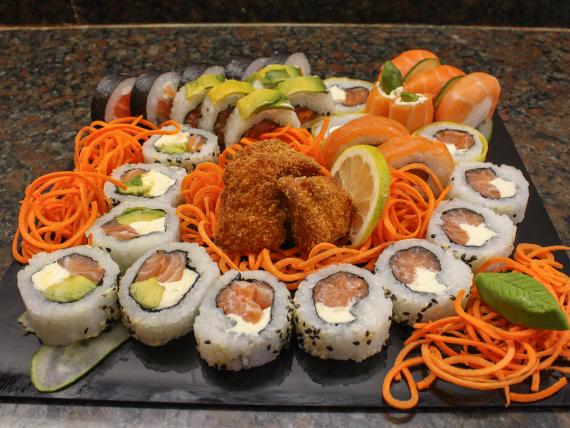 Promo 1 - 30 piezas de salmón + salmón rebozado (porción)