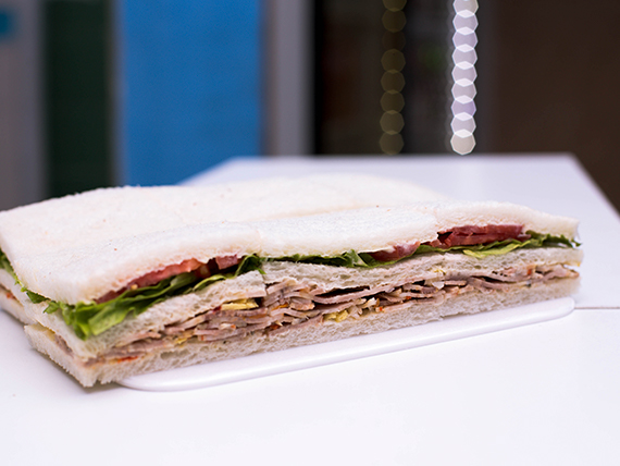 Sándwich de arrollado