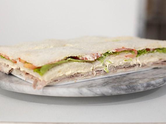 Sándwich de vitel thoné