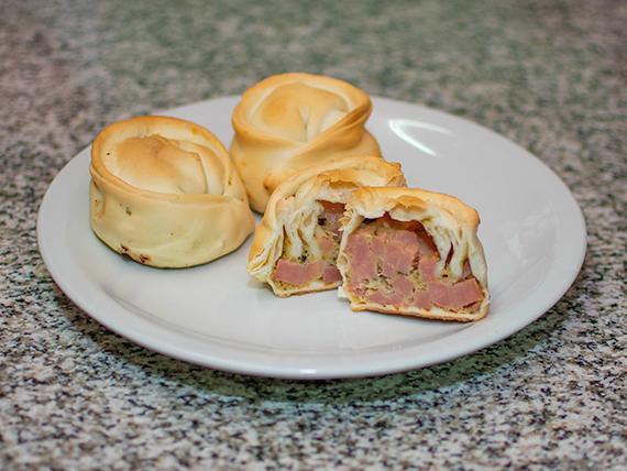 Empanadas de jamón y muzzarella
