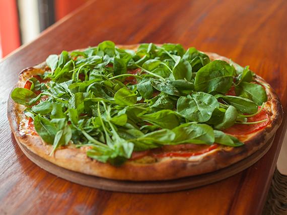 16 - Pizza especial con rúcula