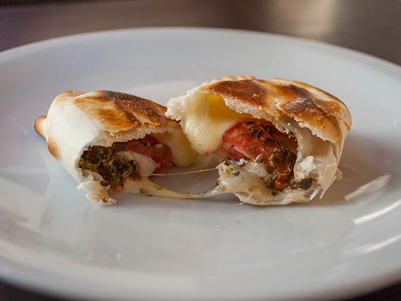 Empanada napolitana