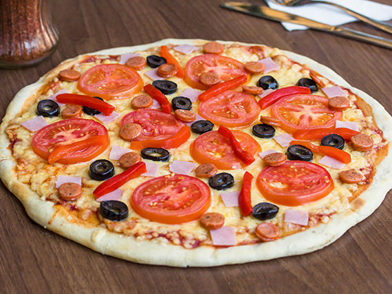 Pizza española mediana