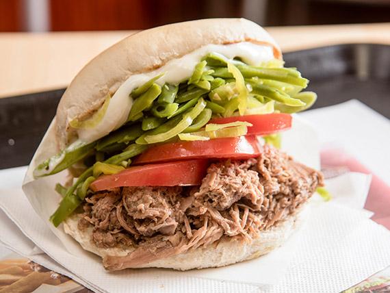 Sándwich chacarero de mechada
