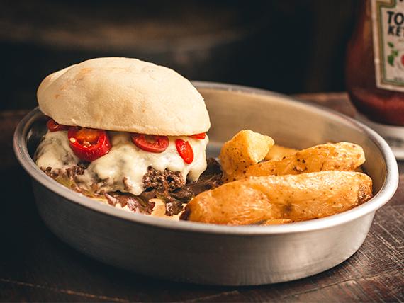 Chilli burger + papas rústicas