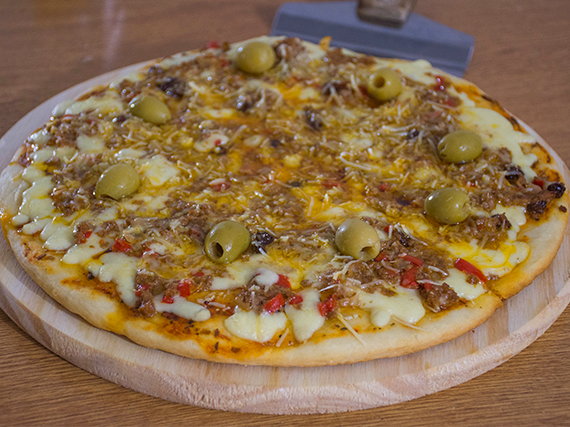 Pizza  carne y provolone
