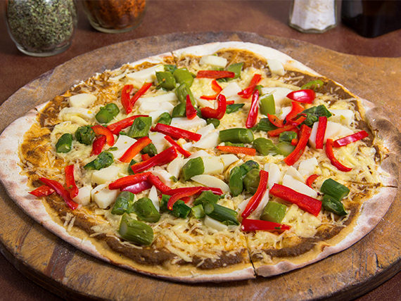 Pizza con morrón y palmitos