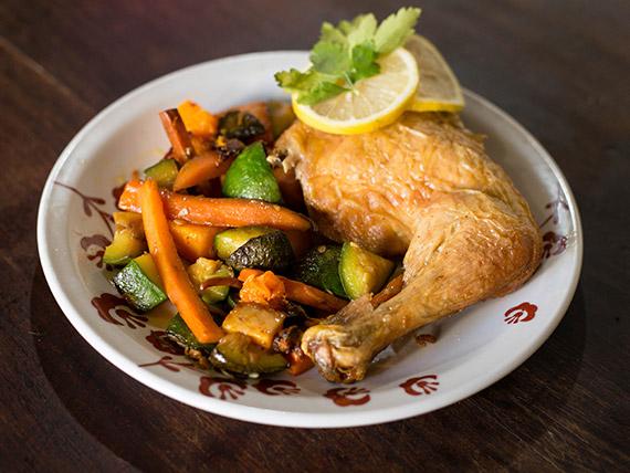 Pollo al horno con guarnición