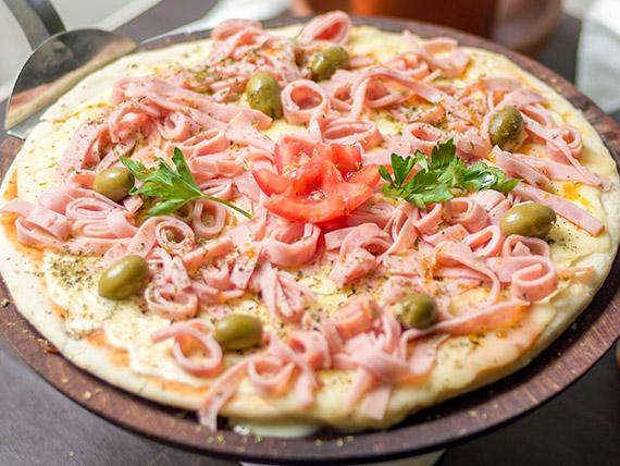 Pizza con muzzarella especial