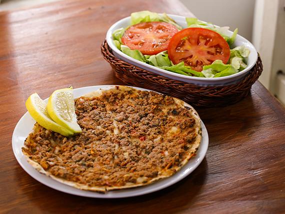 Lehmeyún con ensalada mixta (2 unidades)