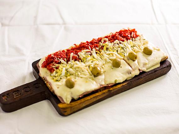 224 - Pizza especial de jamón