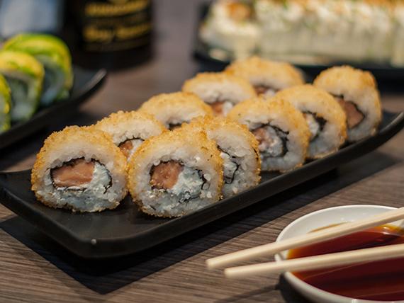 Hot roll de salmón envuelto en panko