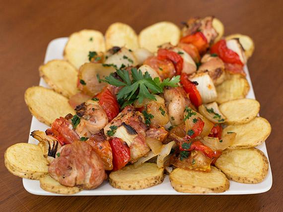 Brochette de pollo con verduras asadas (2 unidades)