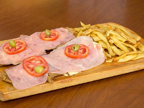 Súper promoción - 2 milanesas de carne a la napolitana con papas fritas