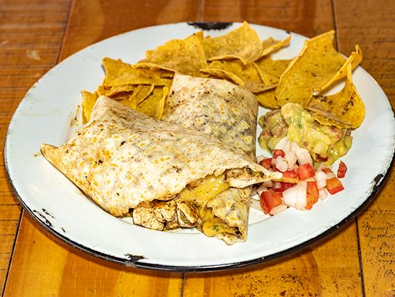 Burrito Super de Pollo + Nachos