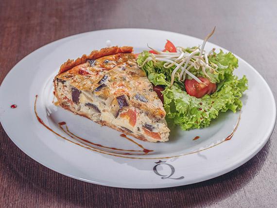 Menú diario fijo - Tarta con mix de hojas y tomate