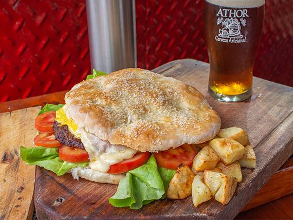 Promo 2 - Hamburguesa casera + 1/2 pinta de cerveza artesanal