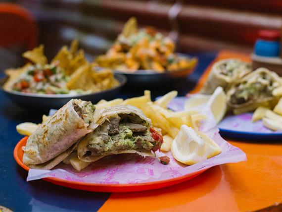 Combo 2 - Guacamole + burrito + gaseosa en lata