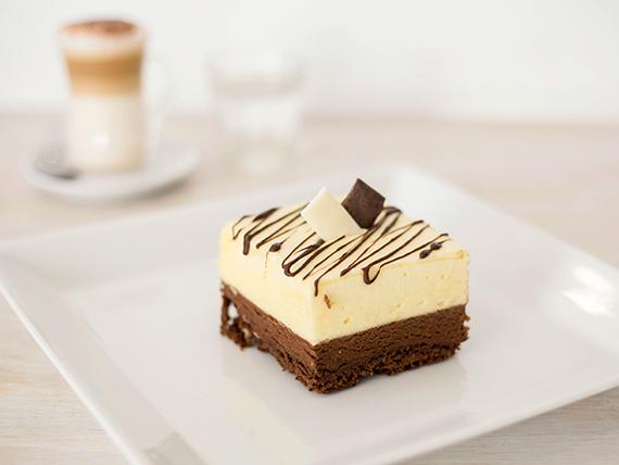 Promo  3 - Porción de torta + café con leche