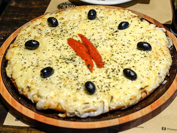 Pizza al provolone