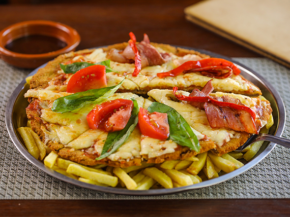 Mega Mila pizza con papas fritas