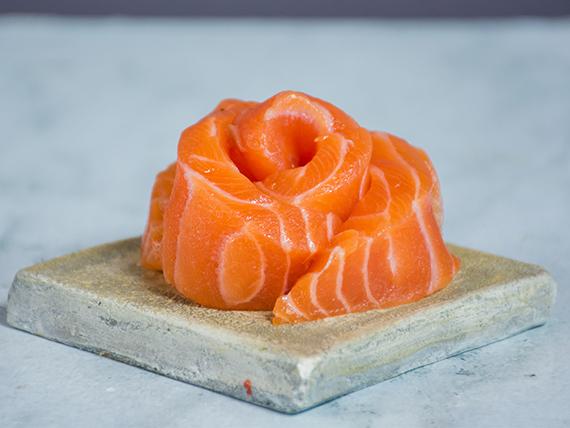 Sashimi de salmón fresco (5 unidades)