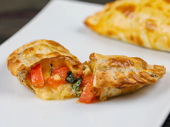 Empanada capresse (masa integral)