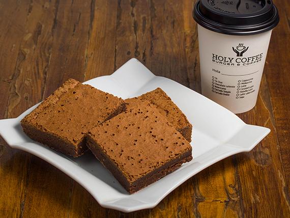 Desayuno 3 - Brownie artesanal + café de grano