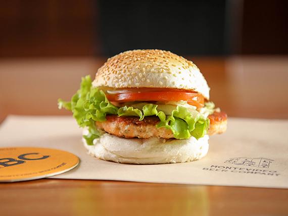 Salmon burger + porción de fritas de regalo