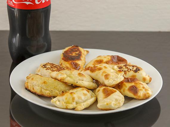 Promo - 10 empanadas + gaseosa línea Coca Cola 1.5 L