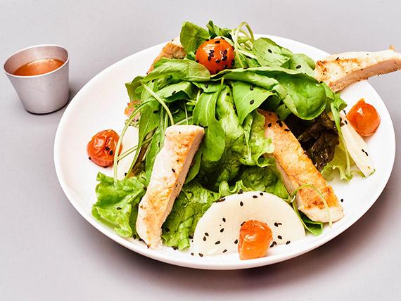 Salada de filé de frango