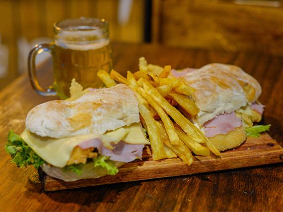 Sándwich de milanesa de pollo completa