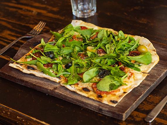 9 - Pizza con rúcula y tomates secos