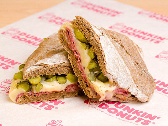 Sándwich hot de pastrami