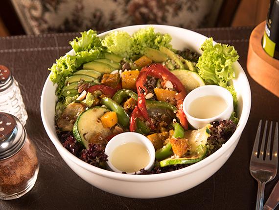 Ensalada de salpicón con quinoa