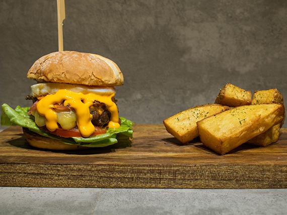 Combo - Mega burger + papas rústicas + gaseosa 250 ml