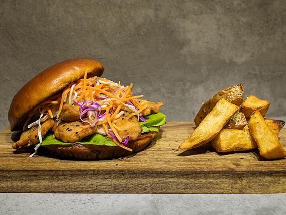 Combo - Sándwich chicken tender + papas rústicas + gaseosa 500 ml