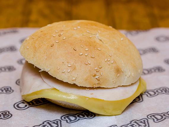 Sándwich normal con jamón y queso