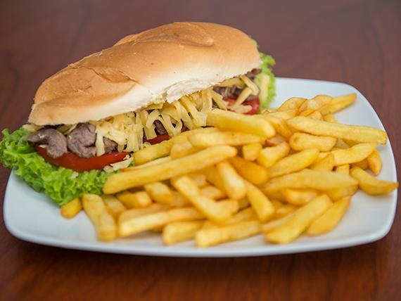 Pepito de carne + papas fritas