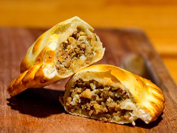 1 - Empanada de carne suave