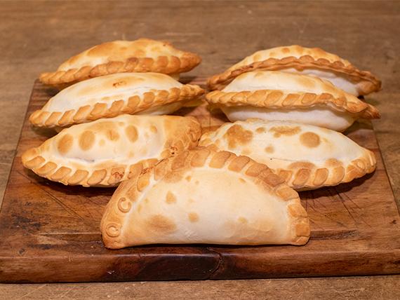 Promo - 6 empanadas + una de regalo