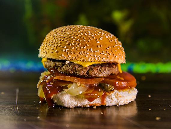 Hamburguesa Khalifa BBQ con papas fritas