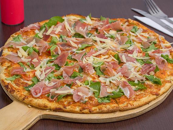 Pizza con rúcula y jamón serrano