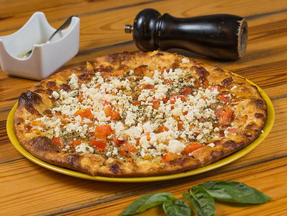 Pizza de Tomate y Queso Feta
