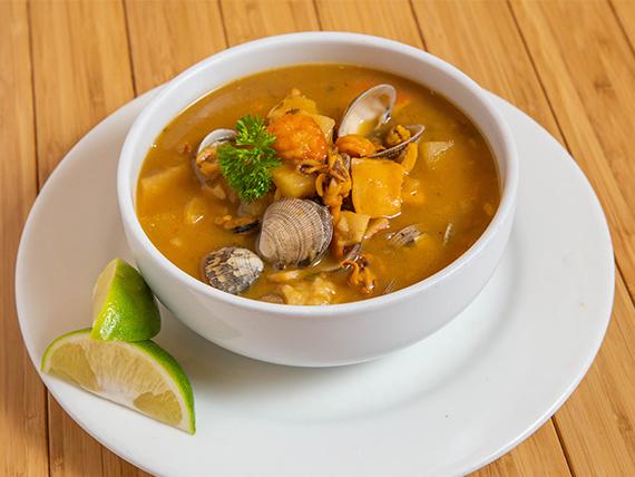 Sopa de Mariscos Grande