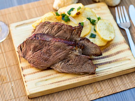Menú viernes - Carne al horno con salsa demiglace y papas al horno
