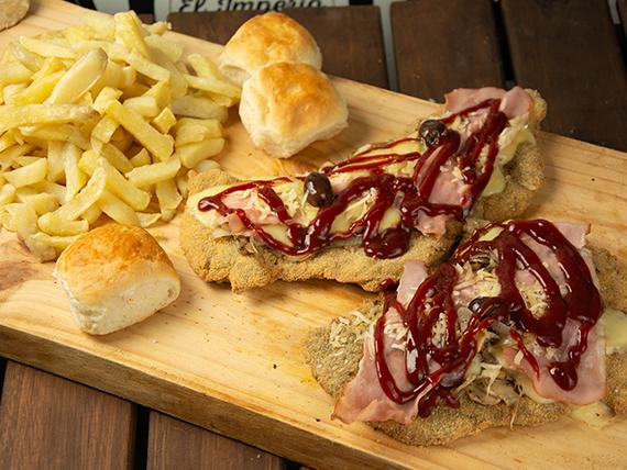 Milanesa barbacoa con papas fritas