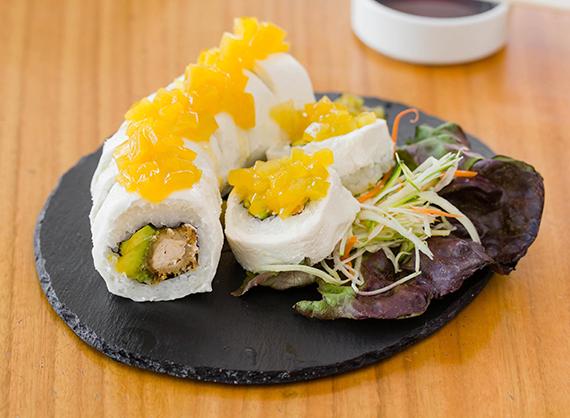 3 - White mango roll (8 bocados)