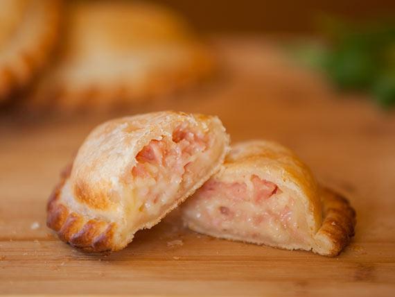 31 - Empanada jamón y queso